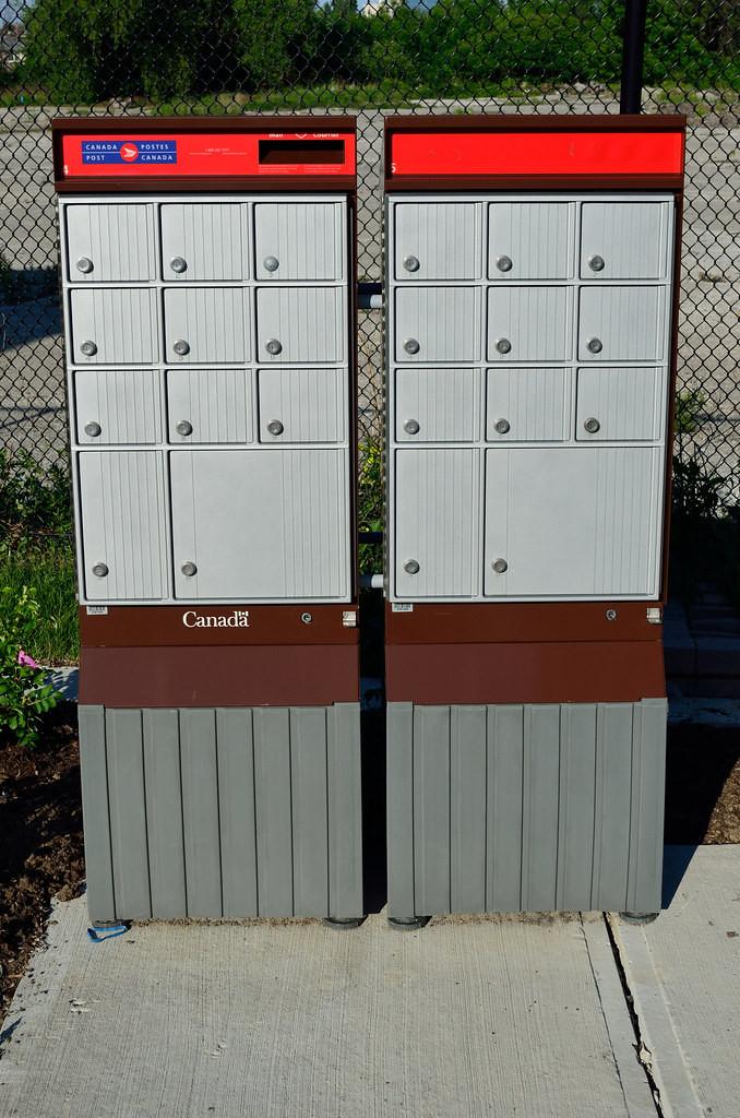 canada-mailbox.jpg